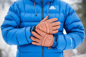Best <b>Winter</b> Gloves and <b>Mittens</b> of 2021 | Switchback Travel