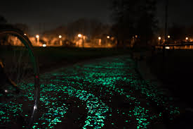 van gogh roosegaarde starry night bike path gessato blog van gogh roosegaarde starry night bike path 4