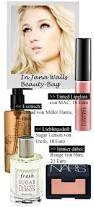 Model und Sängerin Jana Wall im Beauty-Talk. Klicken Sie auf ein Produkt, um es gleich online zu kaufen! Fotos: PR. Anzeige - beauty-talk-jana-wall