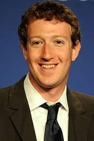Facebook-oprichter Mark Zuckerberg is een graag geziene gast op de Bilderberg conferenties. Uiteraard niet omdat hij zo mooi kan lachen. - Mark_Zuckerberg