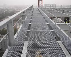 Open Mesh Flooring | <b>Diamond</b> Floor <b>Pattern</b> | Steelway