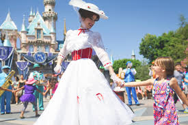 people cool jobs answer questions about their work cool job walt disney world cast member