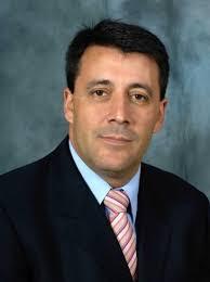 Luis Antonio Ruiz, cuenta con una amplia experiencia en el sector del automóvil, desarrollada principalmente en el Grupo Ford Motor Company y en Draft ... - luis_antonio_ruiz_002-365x488