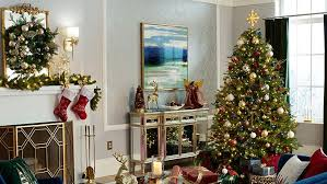 How to <b>Decorate</b> a Christmas <b>Tree</b>