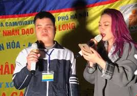 Mỹ Tâm thu âm 'Sầu tím thiệp hồng' cùng chàng trai khiếm thị - www.TAICHINH2A.COM