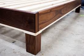 table maple walnut bed