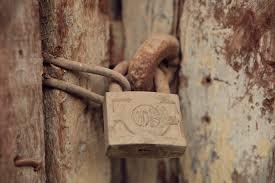 Resultado de imagen para imagenes de puertas cerradas
