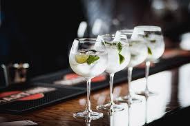 Картинки по запросу алкогольный коктейль «Мартини Рояле»