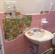 bit vintage bathroom