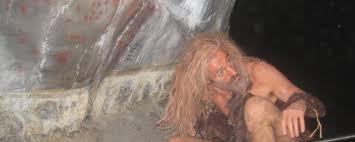 Asturias con niños: Visita guiada al Parque de la Prehistoria con el hombre Cro-Magnon
