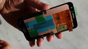 Как выглядит оригинальный <b>дисплей</b> для <b>Samsung Galaxy</b> J1 ...