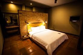 at belukar gili trawangan each luxury hotel rooms has free satellite tv and wifi ample shower room