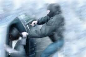 Resultado de imagem para carro tomado por assalto