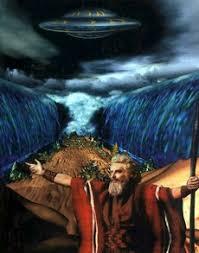 Image result for fotos de ovnis y la biblia