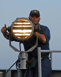 <b>Сигнальный</b> прожектор — Википедия