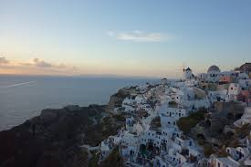 thank you tim ferriss the bjj caveman hiking along the caldera of santorini from fira to oia and being rewarded an unforgettable sunset