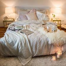 apartment cozy bedroom design: thats a bed i want to sleep in cuddle in write in nap college bedroom decorcollege apartment bedroomscozy