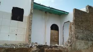 Pescador tem casa destruída por mar em Povoação