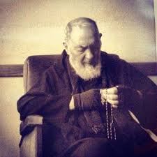 Resultado de imagen para oracion del padre pio con el rosario