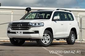 VDJ200-GNTAZ - Land Cruiser 200 GX-<b>R automatic</b> 8 seater