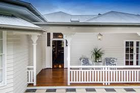 How to Give a Traditional Queenslander a Modern MakeoverBeach Style Deck by Highgate House
