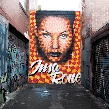 <b>...</b> est un croisement entre l'<b>art urbain</b> et la technologie du GIF animé. - gif-iti-animated-street-art