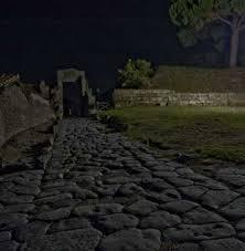 Resultado de imagen de CALLES DE ROMA DE NOCHE