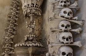 Картинки по запросу самое зловещее место в Чехии костехранилище