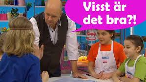 Lasse tipsar om hur du viker en t-shirt! | SVT Play