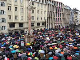 Fridays For Future: SchülerInnen demonstrieren für sauberes Klima ...