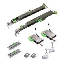 <b>Комплект роликов</b> для шкафа-купе с <b>доводчиком</b> (до 70 кг.)