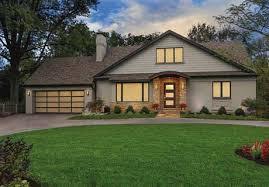 <b>Modern Glass</b> & <b>Aluminum</b> Garage Doors - Clopay® Avante®