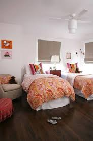 Small Bedroom For Two Small Bedroom For Two Beds For Twins With Colorfull Comforter And