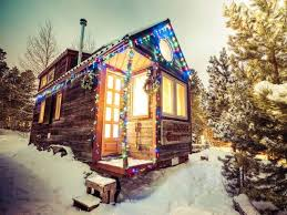 <b>Tiny homes</b>: How <b>small</b> houses are <b>decorated</b> for holidays