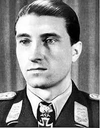 Gemeinderat David Ellensohn (Grüne) brachte 2003 einen Resolutionsantrag ein, das Ehrengrab des ehemaligen Fliegeroffiziers Walter Novotny, der nachweislich ... - nowotny%2520walter