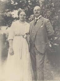 Bild von Max und Anna Bothe auf der Innenseite des Hochzeitsmenüs - Bothe_Hochzeitsmenue_2_640
