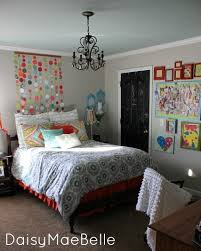 bedroom projects bedroom reveal by daisy mae belle this bedroom has a ton of fun diy