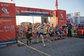 photo essay a running event for every runner the milwaukee photo essay a running event for every runner