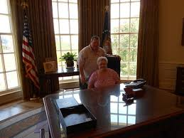 the george w bush presidential library and museum my visit to the oval office bush library oval office