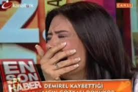 Sevda Demirel ölen babası için ağladı. Canlı yayında hıçkıra hıçkıra ağlamaya çalışan Sevda Demirel'i kameralar ele verdi. - 89626-sevda-demirel-olen-babasi-icin-agladi-4fa0e60b2a70b