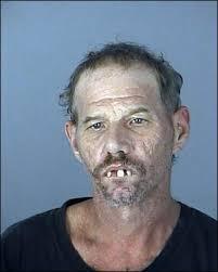 A 35 ans, il tue sa mère à coups de marteau et viole son cadavre pour perdre sa virginité Images?q=tbn:ANd9GcTEN-FnVMUsxocv8xahbrssX90SfINl4qt_RPBw-oKVFT8eTH9-