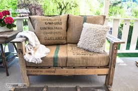 pallet wood outdoor sofa bean bag pillows httpwwwfunkyjunkinteriors burlap furniture