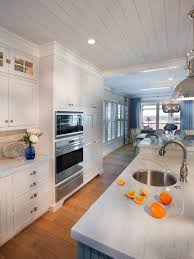 kitchen design entertaining includes: get inspiration and kitchen design ideas from these stunning professionally designed kitchens this special extended gallery includes  photos