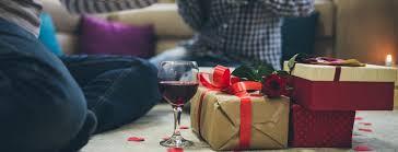 Что подарить на День влюблённых: 10 полезных подарков ...