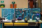Инструмент и приспособления в гараже