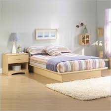 light maple wood bedroom furniture quality bedroom set light wood light