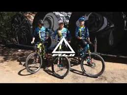 The <b>2018</b> Fuji <b>Enduro</b> Team Riding in Santa Cruz - YouTube