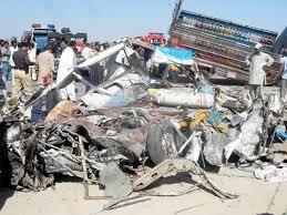 बलूचिस्तान;सडक हादसे मे  35 मरे. कई घायल