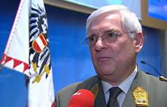 ... als Schnittstelle zwischen Militär und Zivilgesellschaft und vor allem als Ansprechpartner für den Fall von Assistenzeinsätzen. Herbert Bauer - mil2.5115843