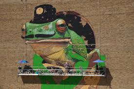 photo essay a frog and a black cat the milwaukee independent the black cat alley is a new public arts destination near the uwm peck school of the arts in the alley between kenilworth place and ivanhoe place
